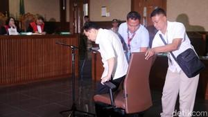 Tiga Sidang untuk Setya Novanto