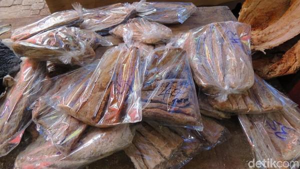 Foto: Seperti Indonesia, mereka juga punya ikan asin jambal lho, yang memang ikan asin dari potongan besar ikan. Mungkin karena sama-sama negara tropis ya (Fitraya/detikTravel)