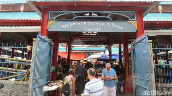 Foto: Inilah pasar tradisional Sir Selwyn Selwyn-Clarke Market di Ibukota Victoria, Seychelles. Seychelles adalah negara kepulauan kecil di lepas pantai timur Afrika (Fitraya/detikTravel)
