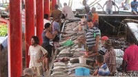 Foto: Sebagai negara kepulauan, Seychelles menghasilkan banyak ikan. ikan yang dijual mirip dengan di Indonesia, ada kakap, tongkol, tenggiri atau bandeng (Fitraya/detikTravel)