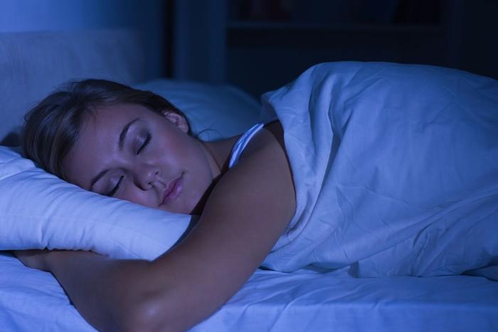 Matikan lampu juga dapat membantu kamu beristirahat lebih baik. Selamat tidur dan semoga mimpi indah! (Foto: Ilustrasi/Thinkstock)