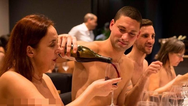 Restoran telanjang ONaturel di Paris, Prancis (AFP)