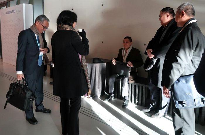Tiga Menteri Kabinet Kerja terbang ke Paris, Prancis untuk menghadiri One Planet Summit yang digelar 11-13 Desember 2017. Tiga menteri tersebut adalah Menteri ESDM Ignasius Jonan, Menteri Keuangan Sri Mulyani, dan Menteri Lingkungan Hidup dan Kehutanan (LHK) Siti Nurbaya. Andik Kristiawan/Istimewa.
