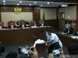 Novanto Tak Jawab Hakim, Pengacara Sarankan Diperiksa di RS Lain