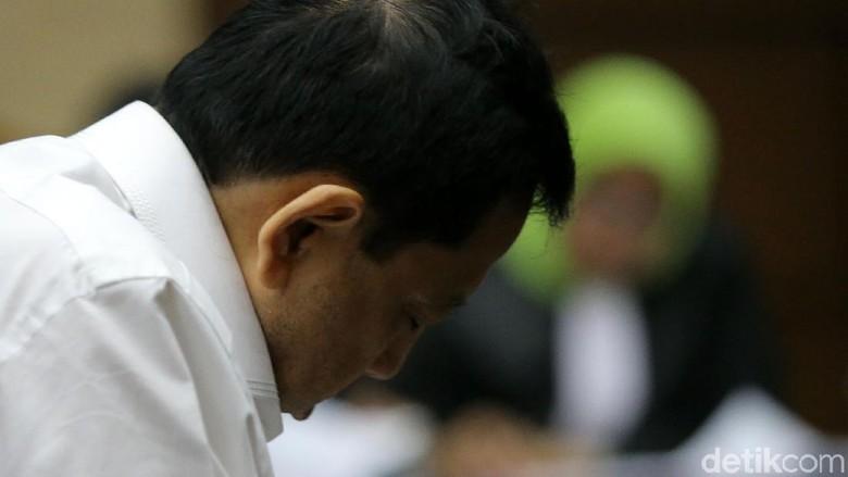 Foto: Novanto Tidur Saat Sidang Dakwaan