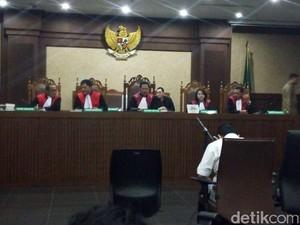 Hakim Musyawarah, Sidang Novanto Diskors Lagi