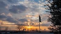 Bendera Palestina berkibar di Rawabi dengan latar Sun Set yang eksotis. (Foto: Dokumentasi Rawabi city)