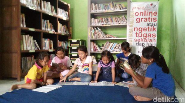 Suasana perpustakaan yang berada di Kabupaten Semarang.