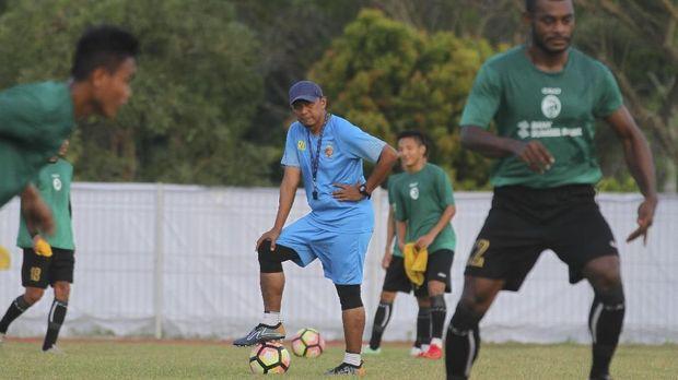 Rahmad Darmawan masih pantas melatih klub besar seperti Persib Bandung. (