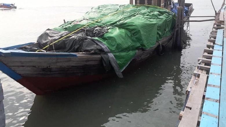 Via Jalur Tikus, Penyelundupan Kain dari Singapura Dibekuk di Kepri