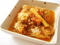 Harum Semerbak Ayam yang Dimasak Dalam Buluh Bambu