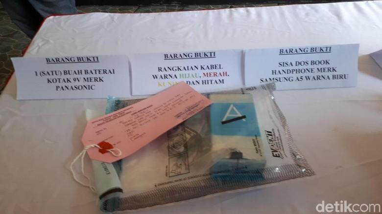 Tersangka Bom di Surabaya Belajar Otodidak dari Internet