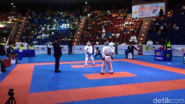 500 Atlet dari 13 Negara Ramaikan Turnamen Karate di Bandung