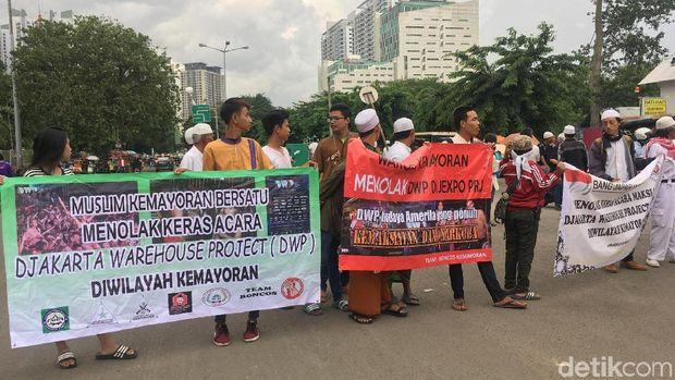 Demo menolak DWP di JIExpo Kemayoran, Jumat (15/12/2017)