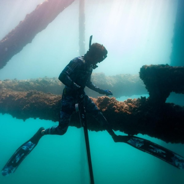 Fazza telah menyelam di banyak laut, dan juga berkunjung ke berbagai belahan di dunia. Diantaranya adalah Italia, Inggris, Islandia, Kanada, Tanzania, dan masih banyak nega lainnya. (faz3/Instagram)