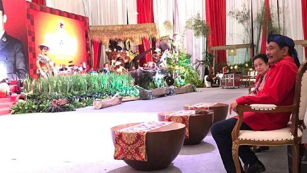 Megawati bersama Djarot