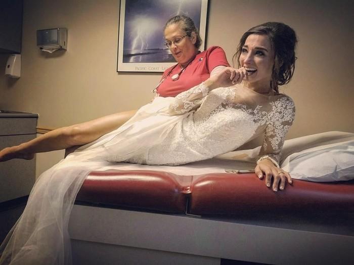 Karena bunga beracn, penglihatan pengantin ini kabur hingga harus dilarikan ke rumah sakit. Foto: Instagram/@christinejomiller