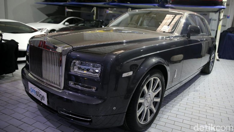 Mobl Premium Rolls-Royce Foto: Agung Pambudhy
