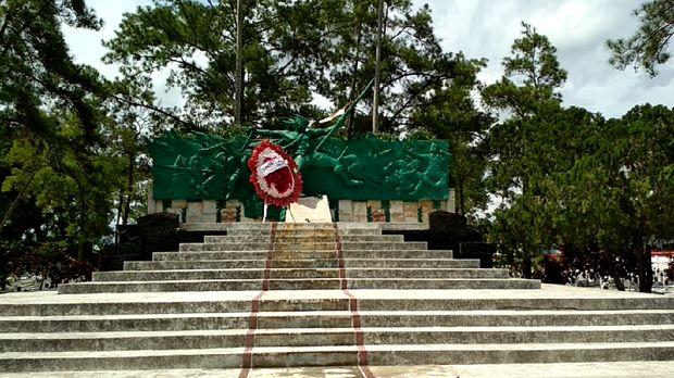 Di Monumen Potlot ini sempat berkibar bendera merah putih yang menandai pemberontakan PETA Blitar