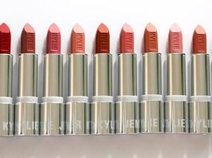 Lipstik Terbaru Kylie Jenner Habis Terjual Dalam 30 Menit