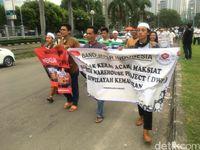 Demo ormas terhadap Djakarta Warehouse Proejct.