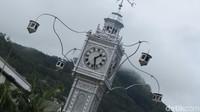 Foto: Landmark kota adalah Clock Tower. Ini adalah menara jam di tengah perempatan. Dalam bahasa Creole disebutnya adalah Lorloz (Fitraya/detikTravel)