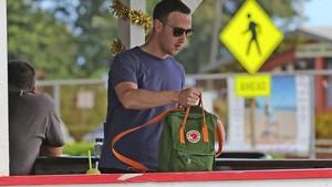 Bawa-bawa Toilet ke Restoran, Zuckerberg Dikecam