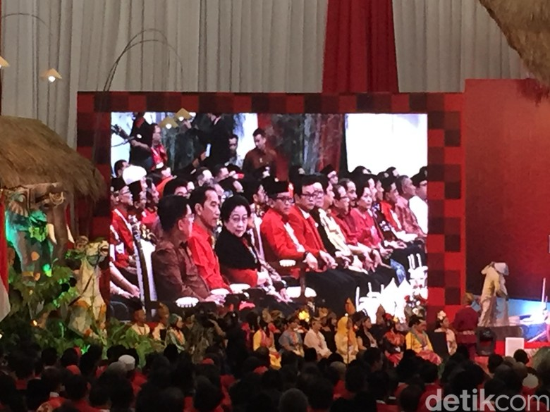 Megawati Minta Jokowi Sisihkan 5 Persen APBN untuk Riset