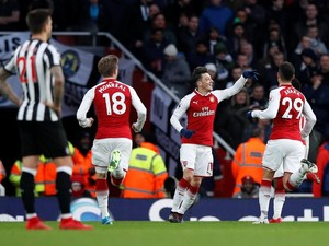 Gol Tunggal Oezil Menangkan Arsenal atas Newcastle