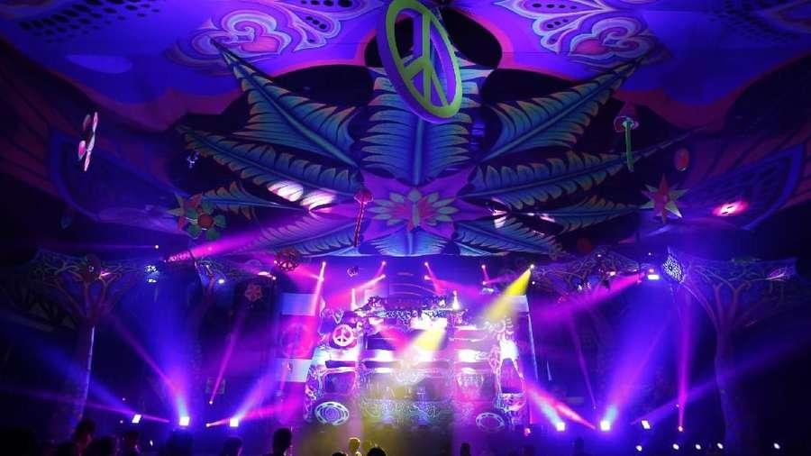 Menunggu Pagi Angkat Drama Festival Musik DWP