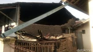 Melihat Kerusakan di Kabupaten Garut Dampak Gempa 6,9 SR