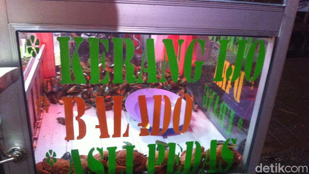 Kerang dan Kepiting Murah di Kedai Nok Evita Mengejar Badai