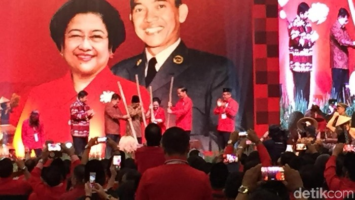 Presiden Jokowi di Rakornas PDIP (Nur Indah/detikcom)