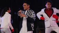 Afgan memukau dengan koreografinya. Foto: Hanif Hawari