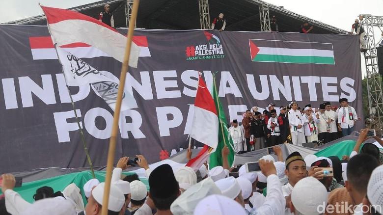 Melihat Kekompakan Para Tokoh dalam Aksi Bela Palestina di Monas