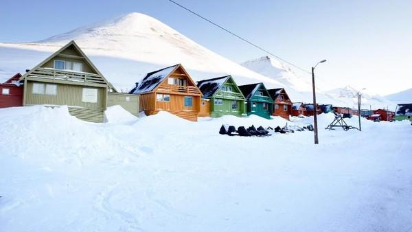 Cuaca ekstrim di Longyearbyen menyebabkan tanah mengalami Permafrost. Istimewa/Thinsktock