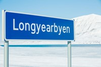 Longyearbyen punya waktu paling panjang untuk fenomena Midnight Sun ini. Rentangnya dari 20 April sampai 22 Agustus. Artinya, selama 5 bulan matahari terus berada di atas langitnya! (Thinsktock)