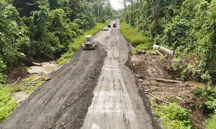 Ruas ini pernah dijajal oleh Presiden Joko Widodo menggunakan motor trail pada Mei lalu.