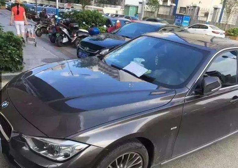 Bikin Mobil BMW Lecet, Pria Tua Tak Mampu Ini Mau Tanggung Jawab. Foto: Viral4Real
