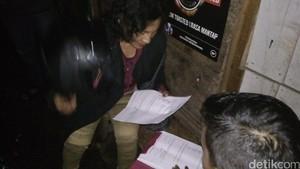 Polisi Tangkap Nenek Penjual Miras Online di Garut
