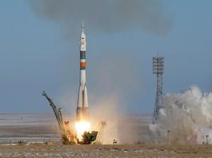 Foto: Detik-detik Peluncuran Pesawat Luar Angkasa Soyuz MS-07
