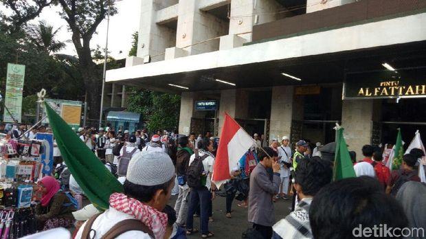 Massa Aksi Bela Palestina di masjid Istiqlal