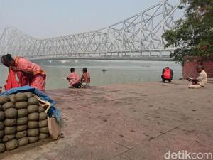 Kamu Mandi Pakai Sabun, Orang Kolkata Pakainya Ini