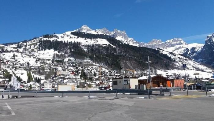 Foto pegunungan di Swiss (@jurnalis/dTraveler)