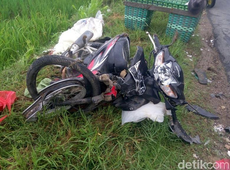 Ilustrasi kecelakaan sepeda motor. Foto: Arif Syaefudin/detikcom
