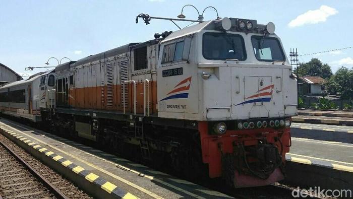 kereta api siap untuk melayani angkutan hari libur natal dan tahun baru 2018