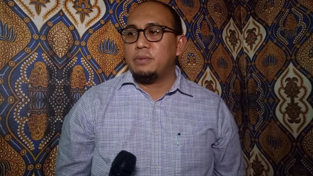 Jokowi Pecat Admin Twitter, Gerindra: Urus Akun Saja Sulit