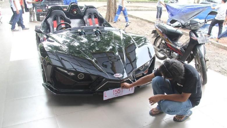 Mobil listrik sport karya mahasiswa ITS Surabaya. (Istimewa)