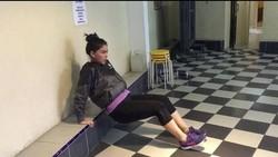 Thalita Latief sempat mengalami kegemukan pasca melahirkan. Kini ia berhasil tampil sama seperti sebelum jadi seorang ibu. Wah, hot mama!