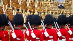 Pengawal Wanita Diangkat Raja Thailand Jadi Jenderal Bintang Empat